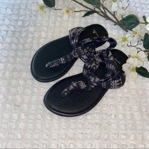 Snail girls gray and black flip flop